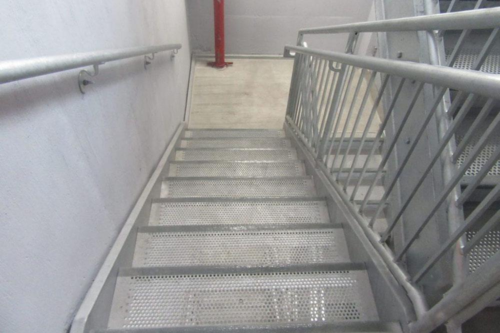 anti slip safety stair treads indoor